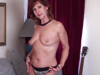 смотреть порно зрелые женщины соло