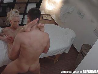 порно видео скрытая камера в солярии